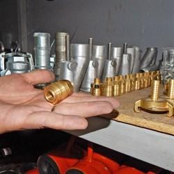 Муфта с наружной резьбой компрессора