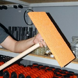 Терка губчатая на стержнем для штукатурных работ