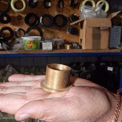 Втулка крышки бункера растворонасоса 24 мм - фото 6840
