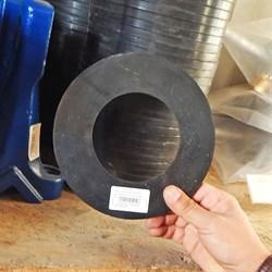 Уплотнение на смесительный бункер растворонасоса СО 241 d95мм